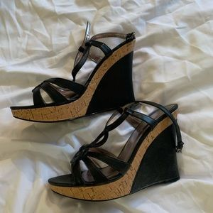 Black and cork wedges